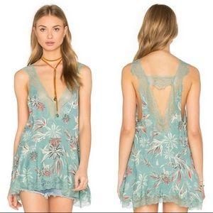 Intimately Free People medium Bellflower Lace Top